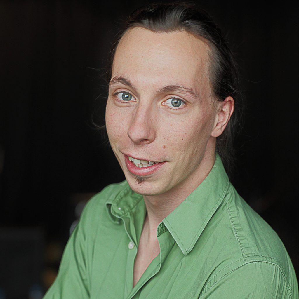 Carsten Bach im grünen Hemd